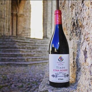 E' facile essere felici in Sicilia, soprattutto se in compagnia del nostro Etna Rosso Tiade Bio 🍷🔥 . Armonioso, equilibrato, con aromi speziati e piacevolmente fruttati, tannini delicati, vivace freschezza e sentori minerali. 🌋🍇 . Ph. @nadia_b_world . 🍷Vini 🌊 mari 🌋 vulcani _______________________________ www.marchesedellesaline.com . #instagood #photooftheday #travel #food #instafood #italy #wine #vino #winelover #winery #winelovers #instawine #vinho #vin #whitewine #winestagram #winecountry #wein #winelife #winegeek #winemaker #naturalwine #vinoitaliano #etnawine #italianwines #summer #summer2020 #etna #etnarosso